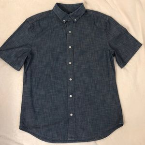 Gap man's shirt